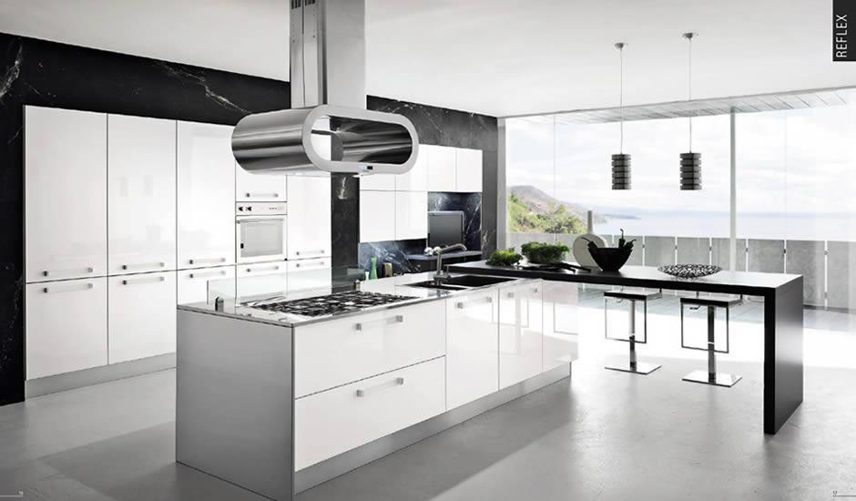 Extramobili arredamenti a bergamo cucine moderne for Arredamenti moderni cucine